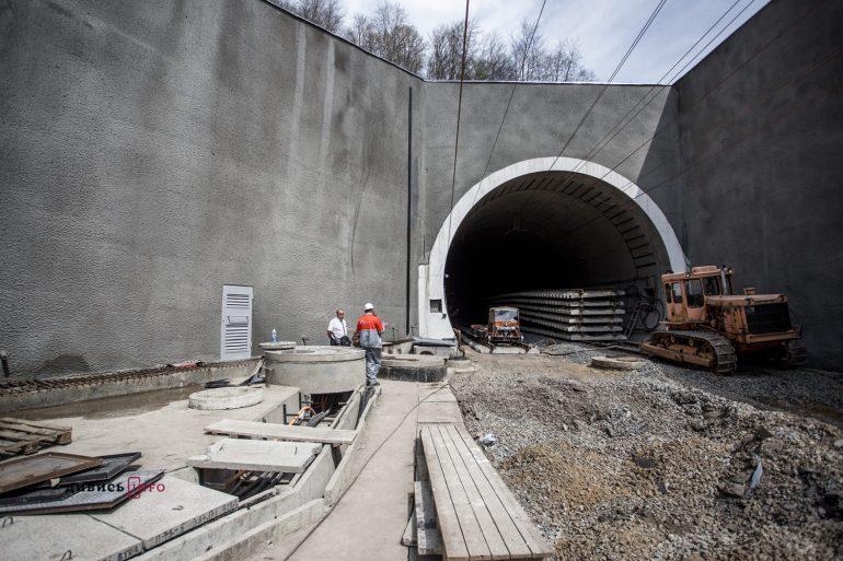 У Карпатах завершують будівництво грандіозного Бескидського тунелю (фото)