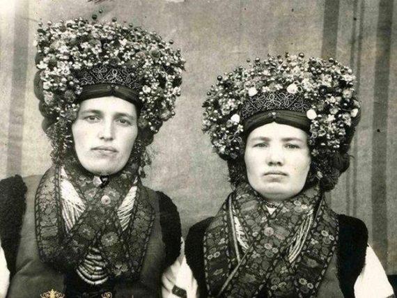 ... як одягались українки 100 років тому. Все нове ae281a95086d2