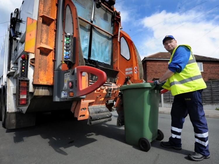В Івано-Франківську зросли тарифи за вивіз сміття