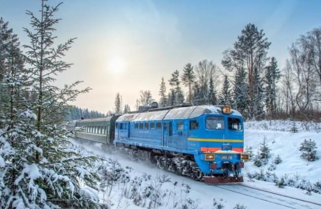 """Результат пошуку зображень за запитом """"До новорічних та різдвяних свят Прикарпаттям курсуватимуть додаткові пасажирські поїзди"""""""
