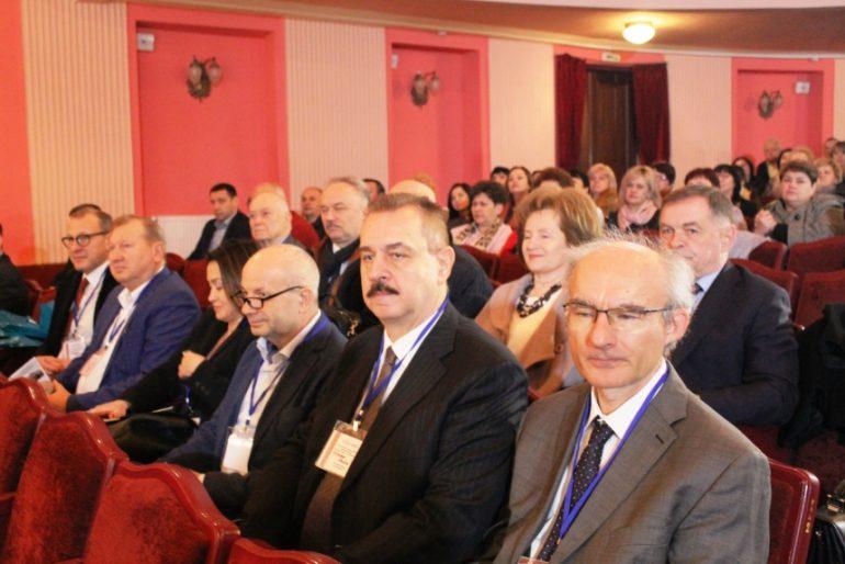 На Прикарпатті пройшов міжнародний медичний форум (фотофакт)